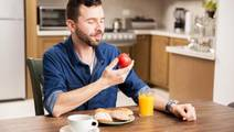 Bright light during meals affects metabolism, lowers effect of insulin