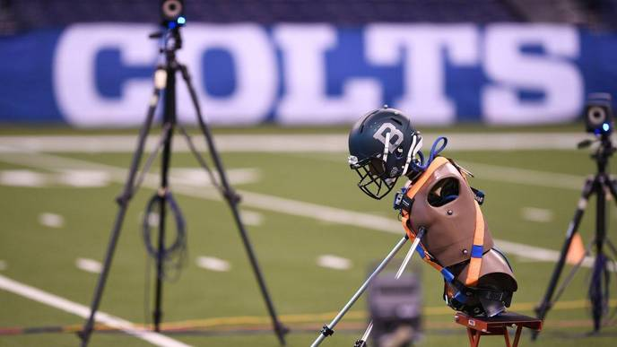 NFL Seeks to Reduce Effects of Concussions with High-Tech Gear