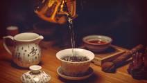 Regular Hot Tea Consumption Reduces Glaucoma Risk