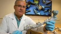 Drexel lab sleuths for clues in failed medical implants
